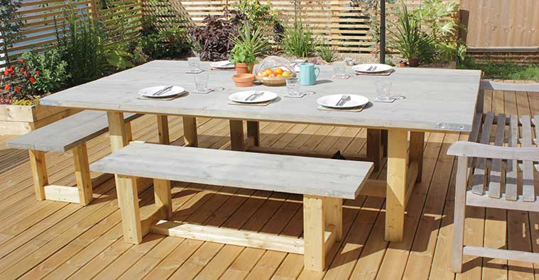 How to make an Outdoor Table with Scaffold Boards
