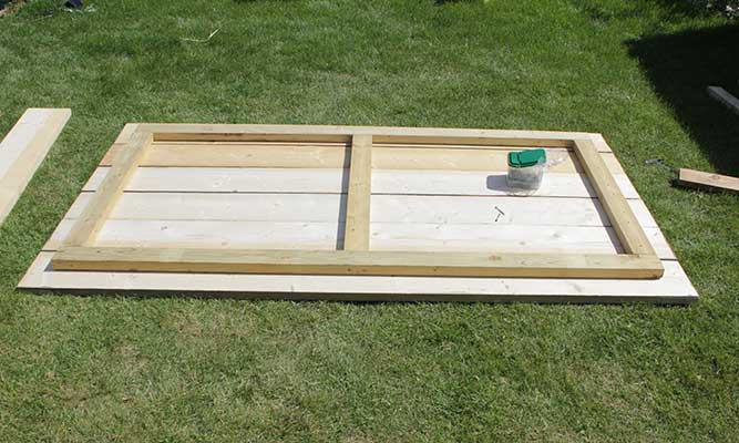 Scaffold-Board-Outdoor-Table-DIY-Project-by-Cassie-Fairy-Step-6-(1).jpg
