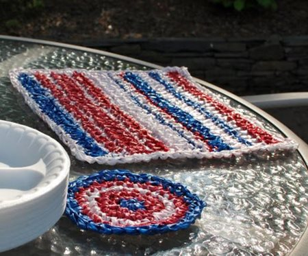 Plarn placemat and coaster