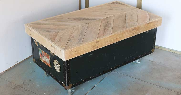 Safestore-pallet-top-vintage-trunk-coffee-table-DIY-project-step-5.jpg